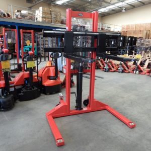 S15W Manual Straddle Stacker 1.5Ton/1.6m
